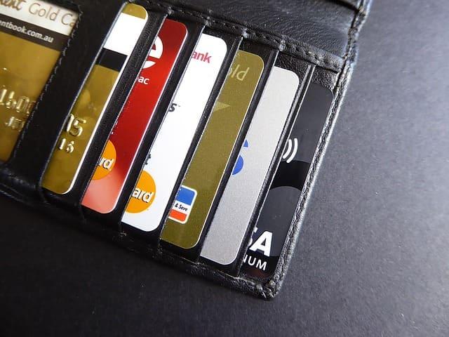 Выбрать кредитные карты